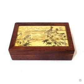 Boîte en bois de palissandre et couvercle en os de buffle