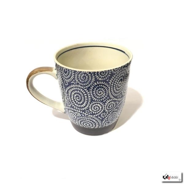 mug karakusa bleu en porcelaine japonaise kim thanh. Black Bedroom Furniture Sets. Home Design Ideas