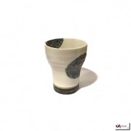 Tasse UZUMAKi noir en céramique blanche