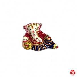 Ganesh allongé en aluminium peint à l'émail rouge (h4.5cm)