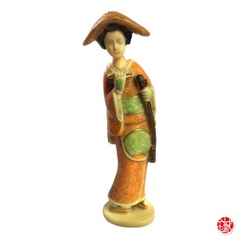 Geisha avec shamisen en ivoirine (h23cm)