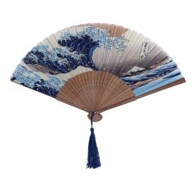 """Eventail en tissus et bambou """"La Grande vague de Kanagawa"""" (神奈川沖浪裏) par Hokusai"""