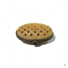 Boîte à pilules ovale AJOURéE en os de buffle