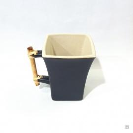 Tasse carrée MiTSU en céramique noir