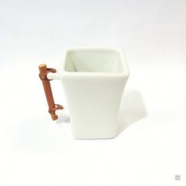 Tasse carrée MiTSU en céramique blanc craquelé